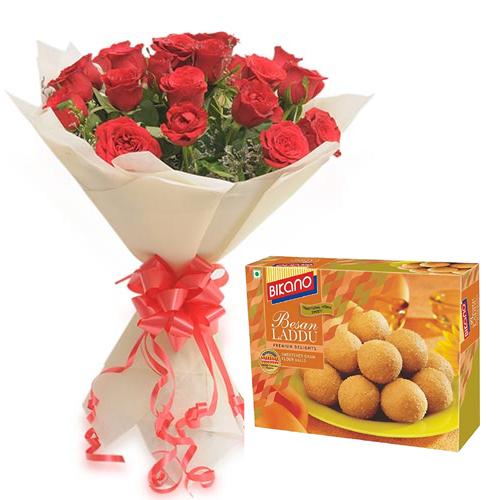 15 Red Roses Bunch with 500gms Besan LadduFlowers Delivery in Jalahalli Bangalore