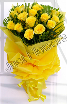 12 Yellow Roses Bunch Paper packing