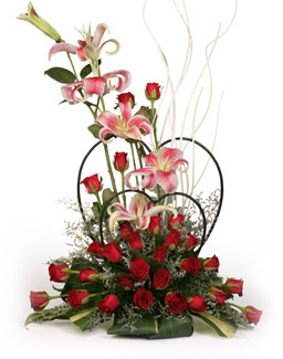 Arrangement of 3 Lillis & 20 Roses send-flower-Kundalahalli