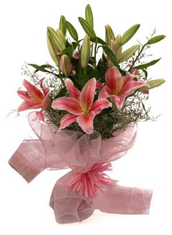 Bunch of 4 Oriental Lily in Netsend-flower-Kamagondanahalli