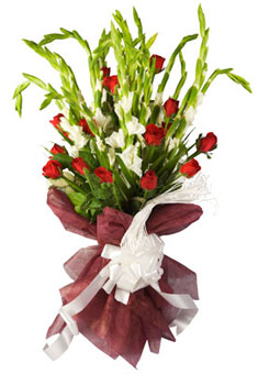 Bunch of 10 White Glads and 15 Red Roses in Brown Tissuesend-flower-Shanthinagar