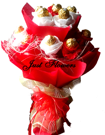 Bunch of 16 Pcs Ferrero Rocher Chocolates