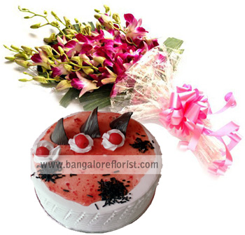 Bunch of 8 Purple Orchids & 1/2KG Strawberry Cakesend-flower-Kamakshipalya