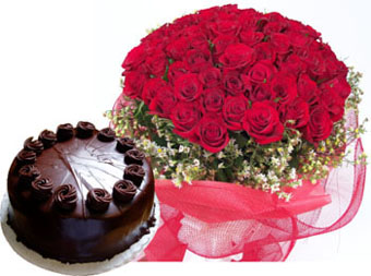 Bunch of 50 Red Roses in Net Packing & 1KG Chocolate Cake